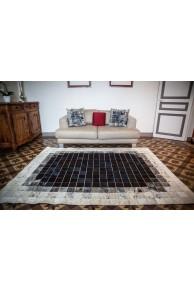 tapis peau de mouton et peau de vache 2. Black Bedroom Furniture Sets. Home Design Ideas