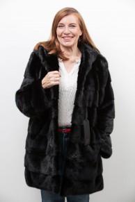"""Manteau de Vison Noir à Capuche """"Balli Furs"""""""