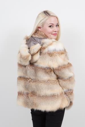 acheter manteau en fourrure pour l 39 hiver. Black Bedroom Furniture Sets. Home Design Ideas