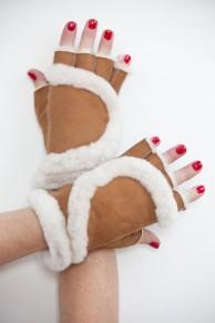 Light Brown Mittens in Lamb Fur and Lamb Velvet