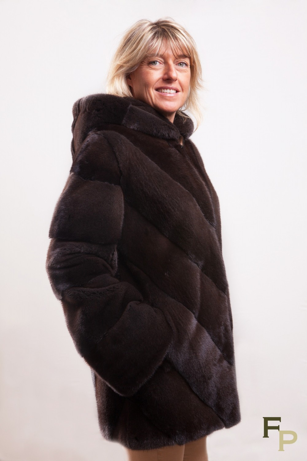 authentic quality attractive price official photos Long Mink Coat Colour