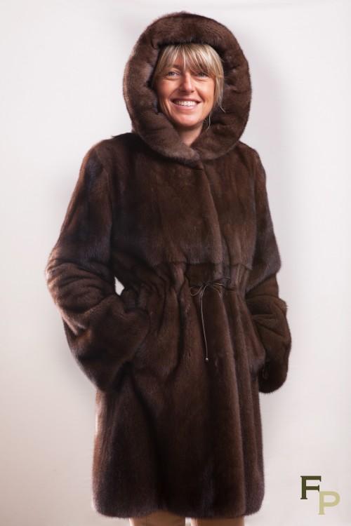 Manteau de Vison à Capuche Brown Glow signé Balli Furs