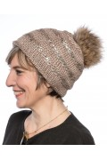 """Bonnet """"Lux"""" en Laine Beige avec Pompon de Finn Raccoon"""