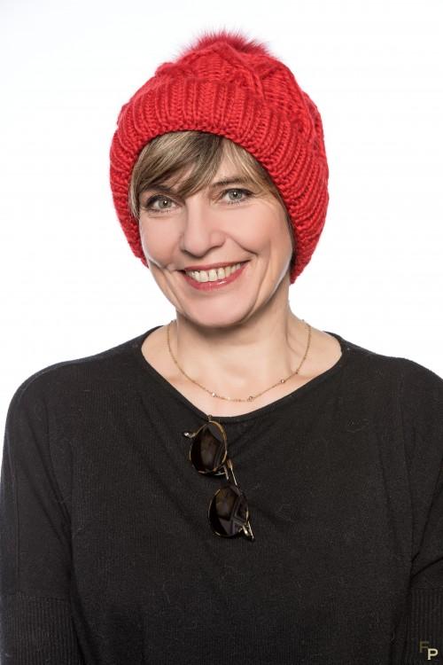"""Bonnet en Laine """"Courchevel""""  Rouge avec Pompon de Renard"""