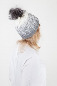 Wool Hat With Pompom in Fox Fur Colour Ecru & Grey