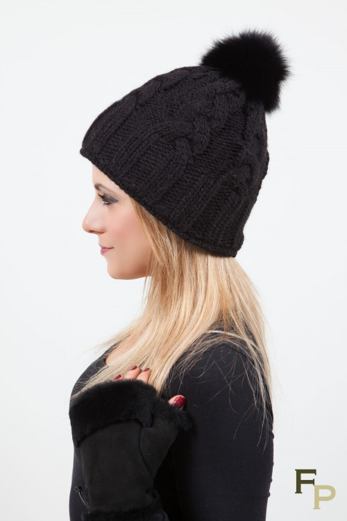 """Bonnet  """"St Moritz"""" Noir en Laine et Pompon en Renard"""